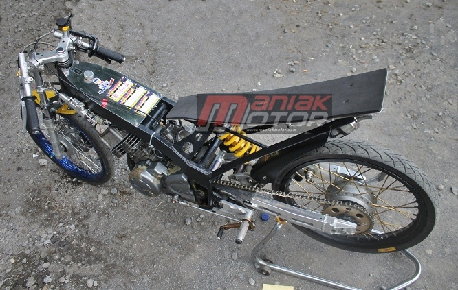 Modifikasi Yamaha Touch Drag Bike: Silinder 125Z Di Sport ...