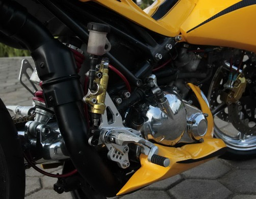 Modifikasi Yamaha Jupiter MX (Pontianak ), Robot Kaki