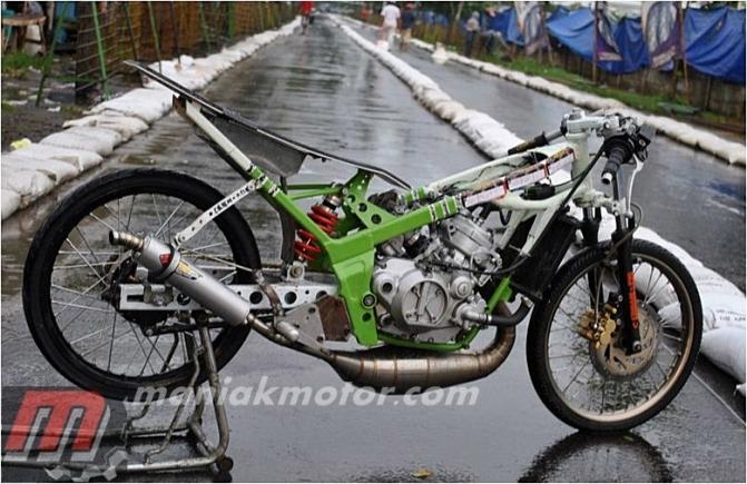 Modifikasi Drag Bike Ninja 150 Start Gigi Dua Jawara Jawa Sport 2 Tak 155 Cc Tu Portal Sepeda Motor Dan Seluruh Aspeknya