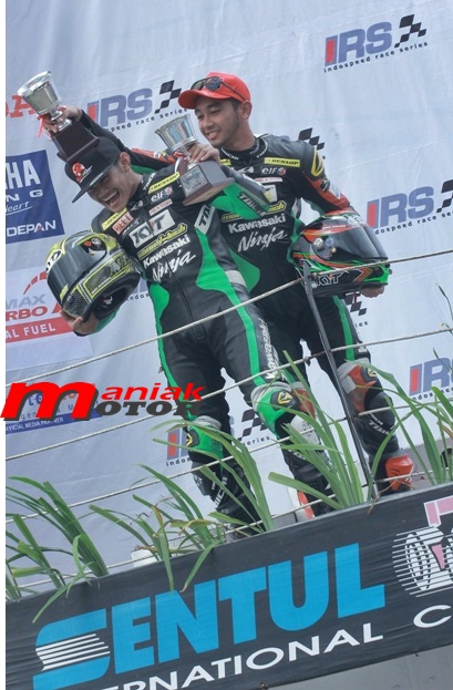 Fadly dan Ydhis from Kawasaki Manual Tech