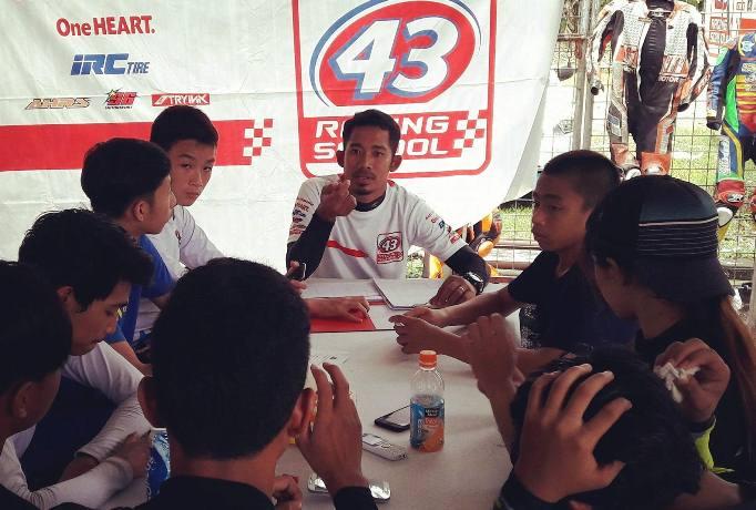 43-racing-school