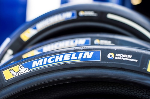 Ban, Michelin, nirkabel, Rossi