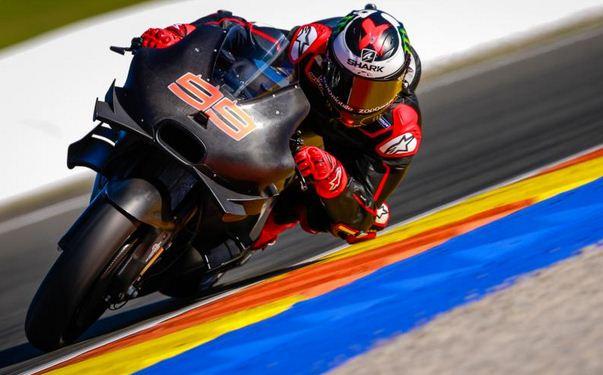 Lorenzo dan Ducati 2017