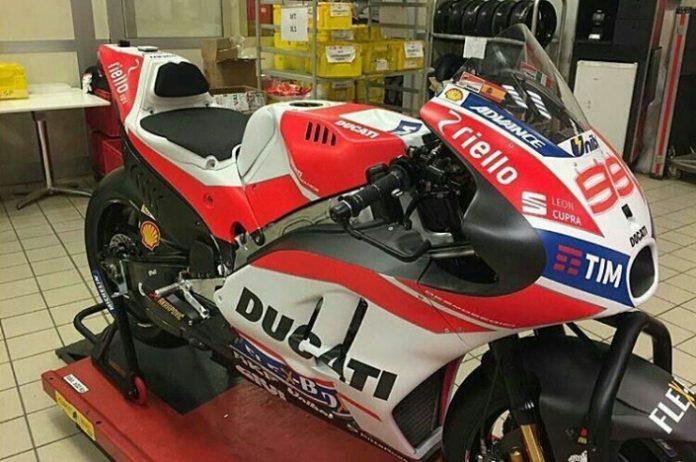 Ducati GP17 Lorenzo