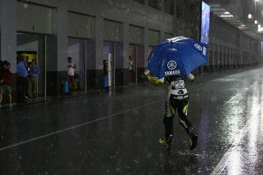 Hujan Tes Qatar moto2 moto3 2017