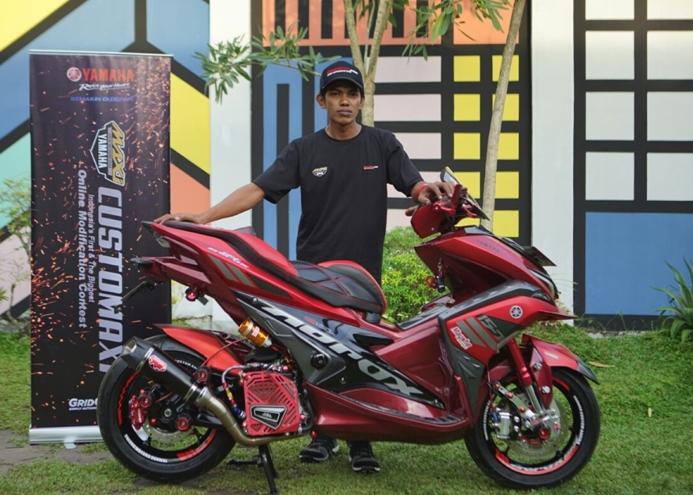 Deddy Hidayat pemenang semifinal kelas Aerox 155 CustoMAXI Banjarmasin
